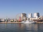 遠ざかってゆく神戸港