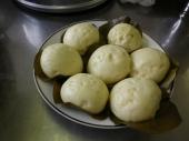地元婦人会の方々と一緒に作ったふくれ饅頭