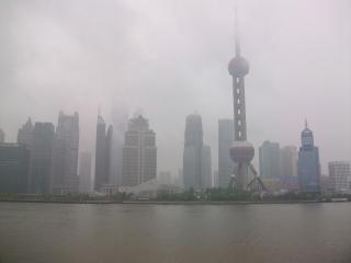 レジェンドから見る曇りの浦東