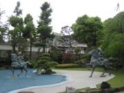 須磨寺境内 熊谷直実と平敦盛像
