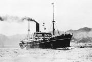 欧州航路で運航されていた「三島丸」 「郵船式ドライカレー」は船上で日本人コックが考案されたと伝えられています。(資料提供:日本郵船歴史博物館)