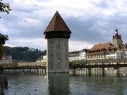 水の塔とカペル橋